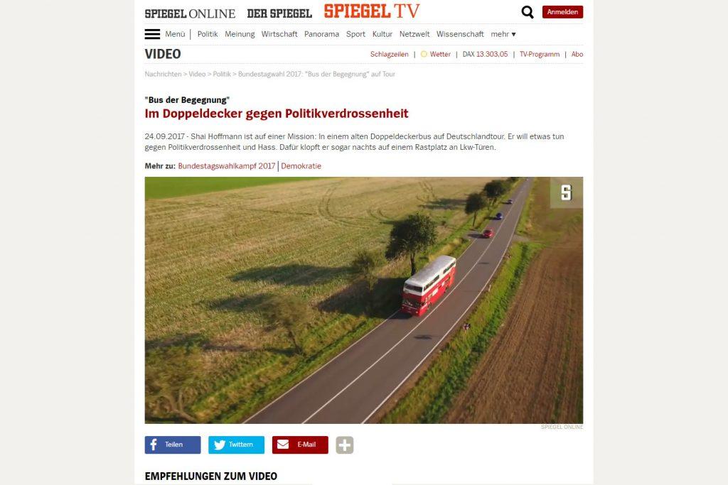 SPIEGEL TV - Im Doppeldecker gegen Politikverdrossenheit